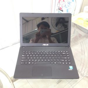 Laptop Asus F451CAP core I3 - 3217U